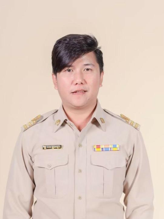 Mr.Thanakorn Phupuwaseatthavon