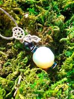 Magic Vial pendant : Safe Travel