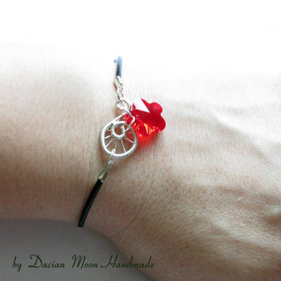 """Red Flower"" jewelry set"