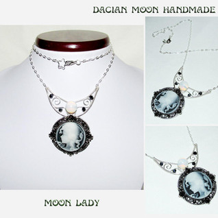 """""""Moon Lady"""" necklace"""
