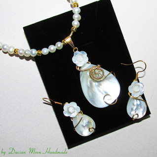 """Winter Queen"" jewelry set"