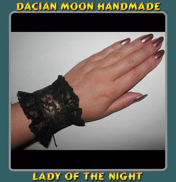 """Lady of the Night"" bracelet (2 sides)"