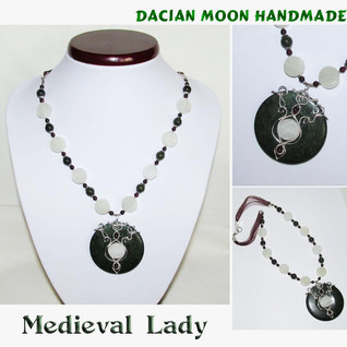 """""""Medieval Lady"""" necklace"""