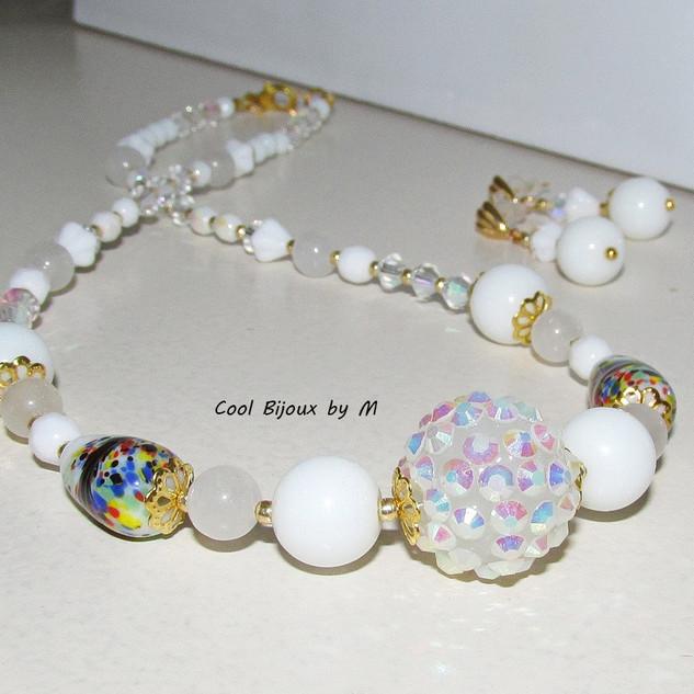 """Color Fantasy: White"" jewelry set"