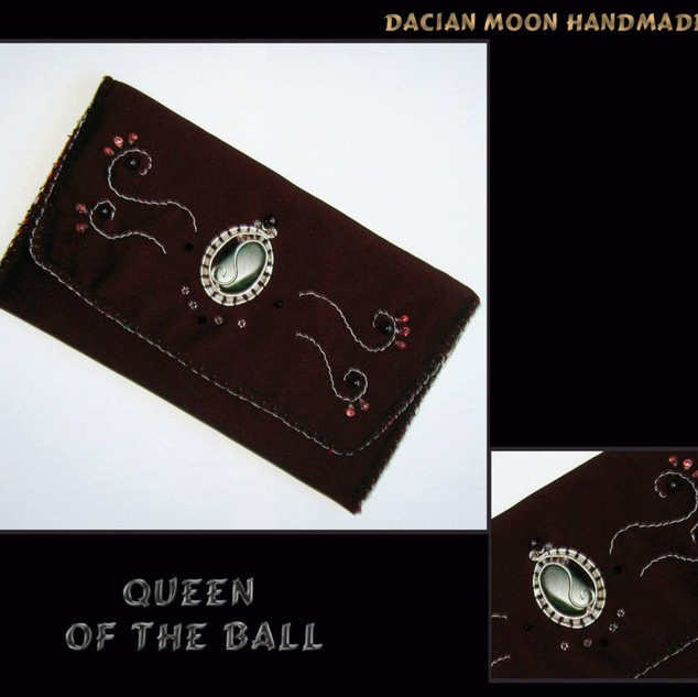 """Queen of the Ball"" purse"