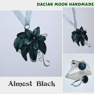 """Almost Black"" jewelry set"
