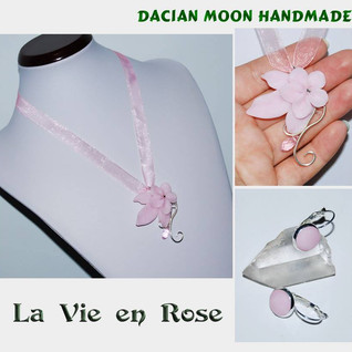 """La Vie en Rose"" jewelry set"