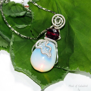 Phial of Galadriel pendant
