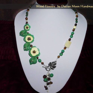 """Wood Flowers"" necklace"