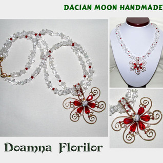 """""""Lady of Flowers"""" necklace"""