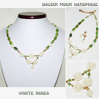 """White Roses"" jewelry set"