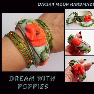 """Dream With Poppies"" bracelet set"