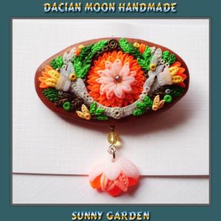 """""""Sunny Garden"""" brooch"""