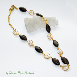 """""""Playful brown"""" necklace"""