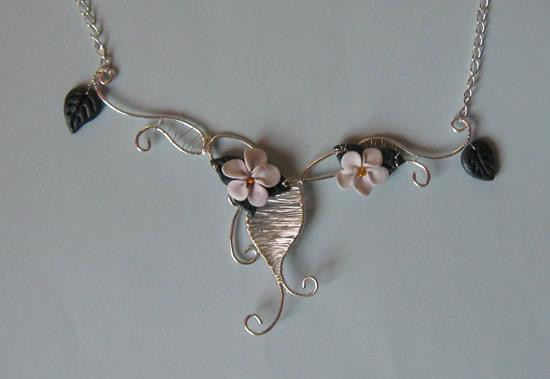 """Silver lace with flowers"" set"