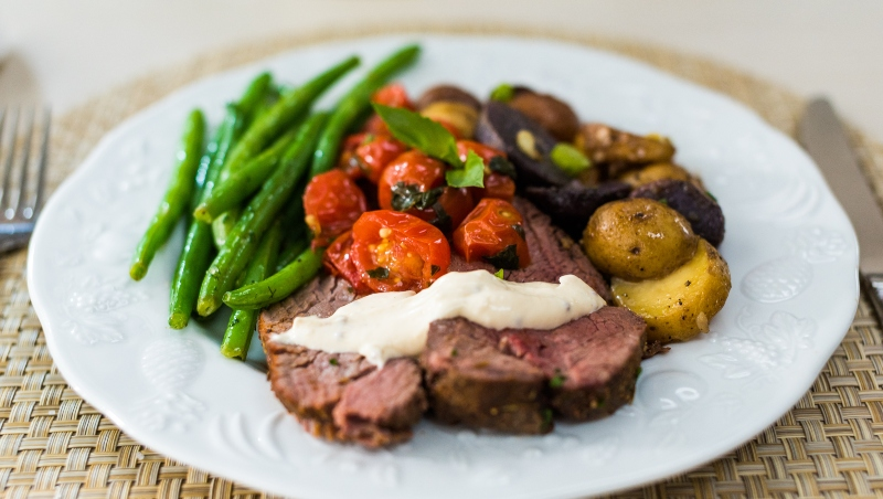 12Beef Tenderloin and Roasted Tomatoes w
