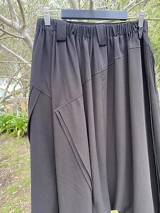 Moyuru Asymmetrical Pant