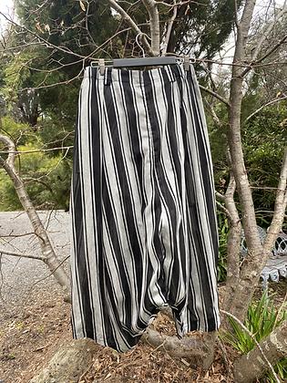 Moyuru Dress Stripe Pant