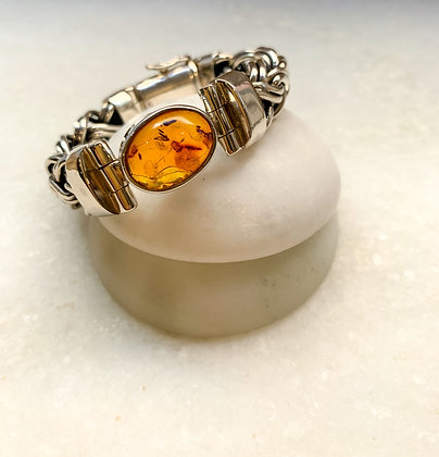 Sterling silver bracelet withAmber stone