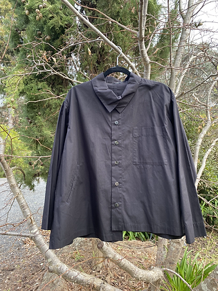 Moyuru Black Collared Shirt