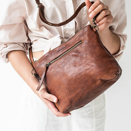 Large Essential Pouch Bag - Cognac