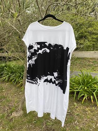 Moyuru Print Tee Shirt Dress