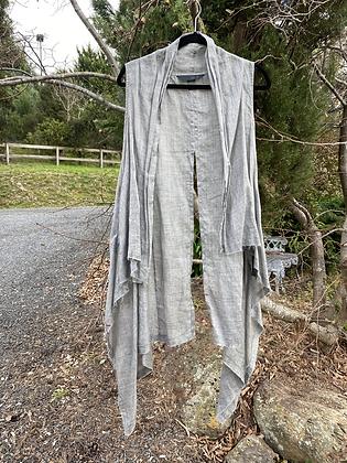 Moyuru Grey Vest