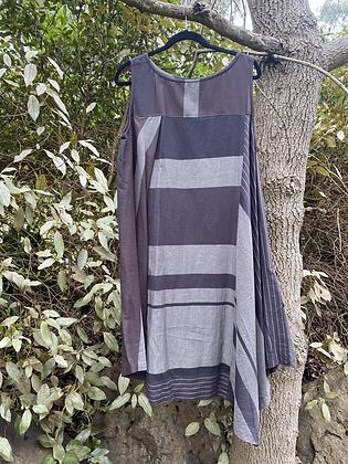 Moyuru Sleeveless Dress