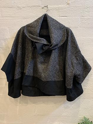 Moyuru Cropped Jacket