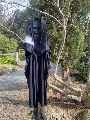 Moyuru Sleeveless Wrap Dress