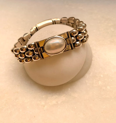 Sterling silver bracelet with pearl stone