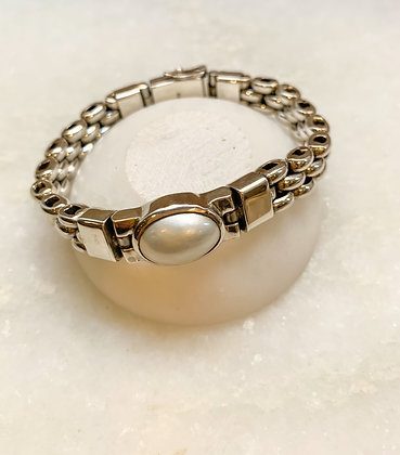 Sterling silver link bracelet with pearl stone