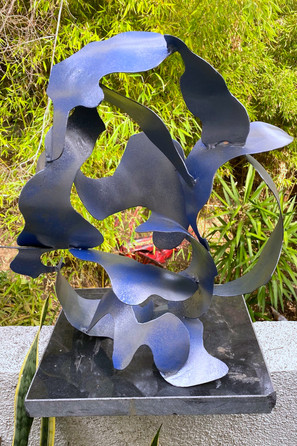 """Twisted Cami 24"""" x 24"""" Welded Steel, paint 1"""