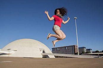 Mariana Godinho flying in Brasília!__#ph