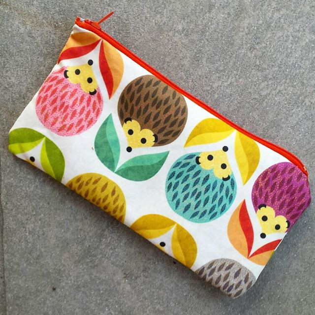 Little pencilcase...or beautycase as you wish! ☺ It's made with a sample swatch of basic cotton...jpg