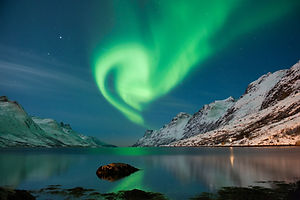 Northern lights walk 2.jpg