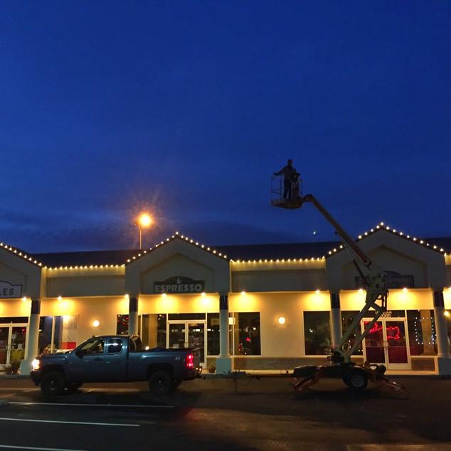 Holiday decorations, Richland