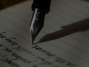 writing-1209121_1920 2.jpg