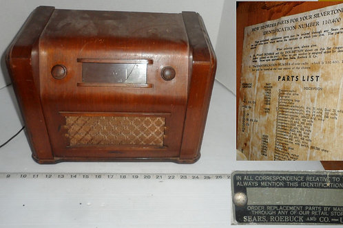 Silvertone AM Tube Radio I Wooden Case