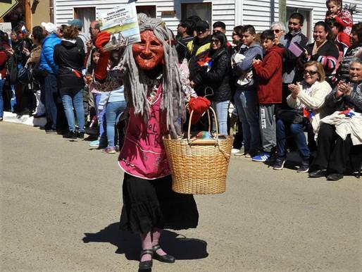 Desfile cívico comunitario de Cahuil