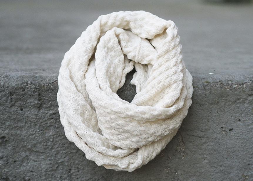 Suomu-tuubi, valkoinen
