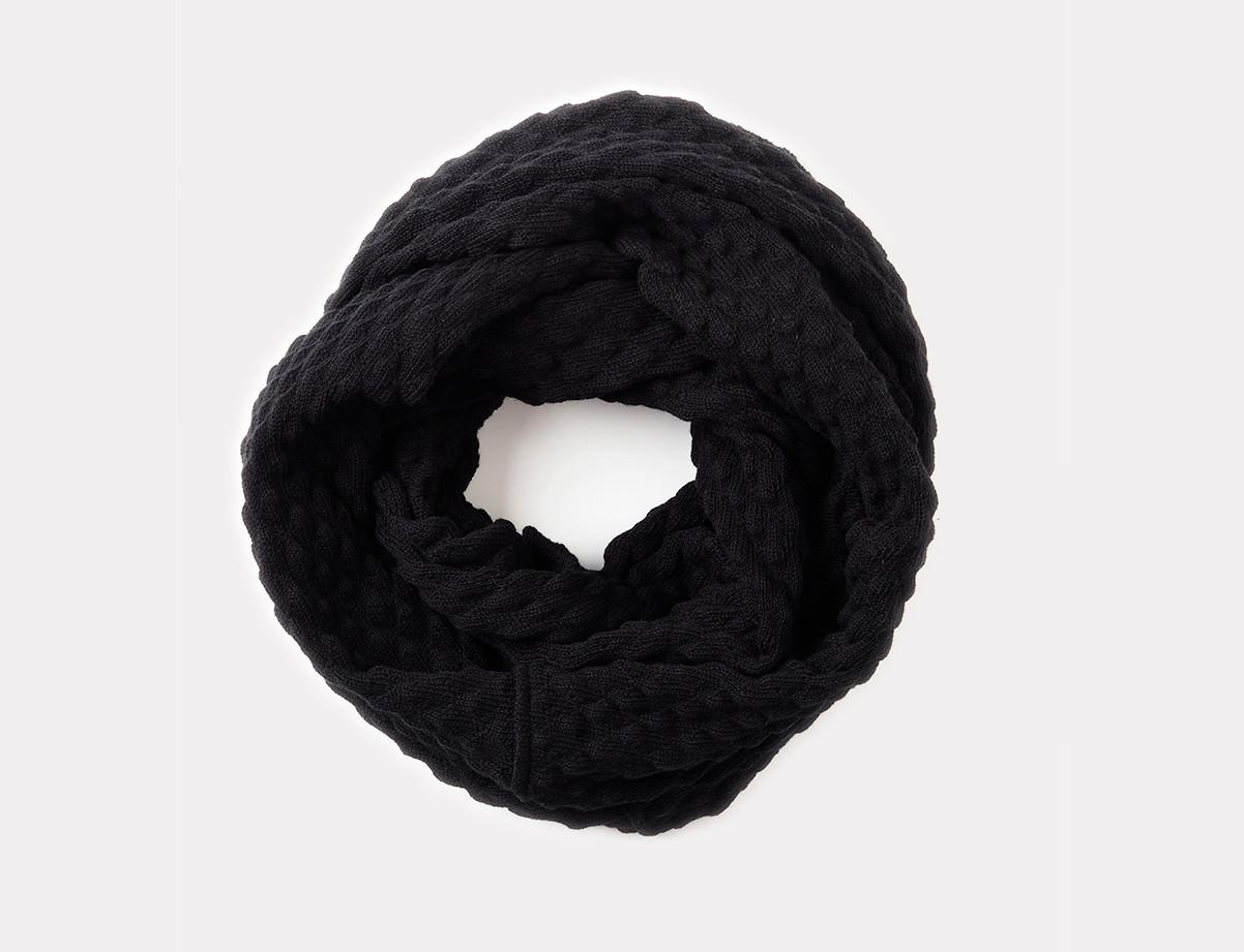 Käpy-huivi, musta