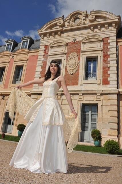 Robe de mariée avec chasle