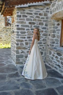 Création d'une robe de mariée brodée