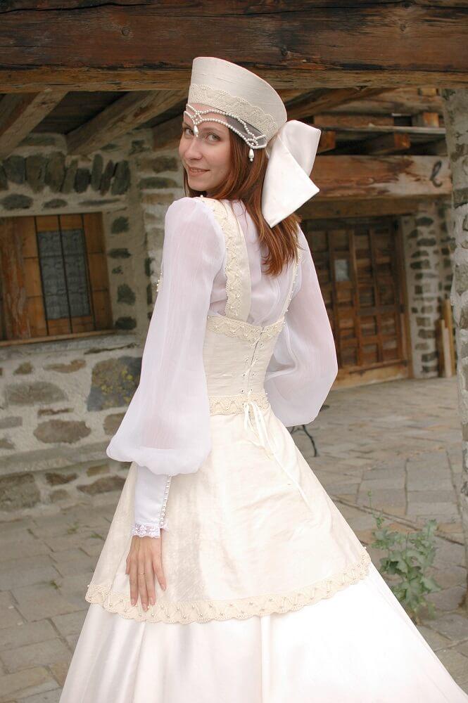 Robe de mariée d'inspiration russe