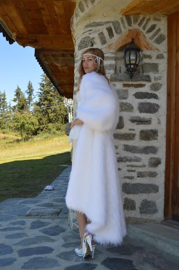 Robe de mariée avec manteau
