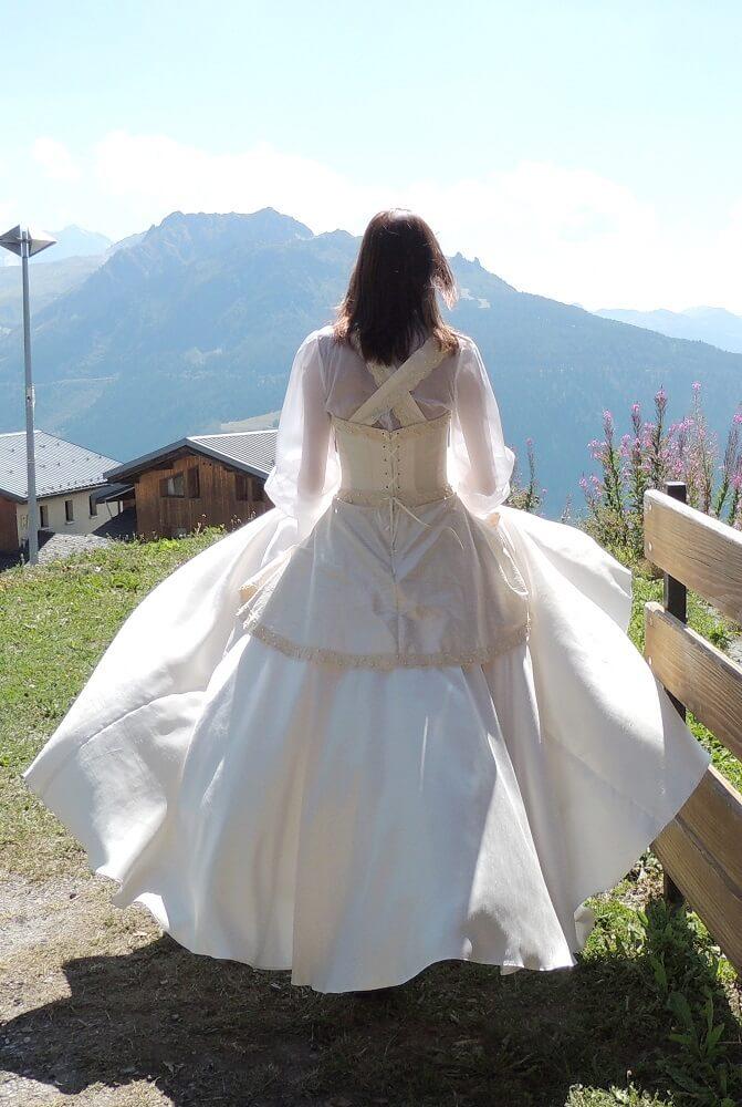 Robe de mariée de dos