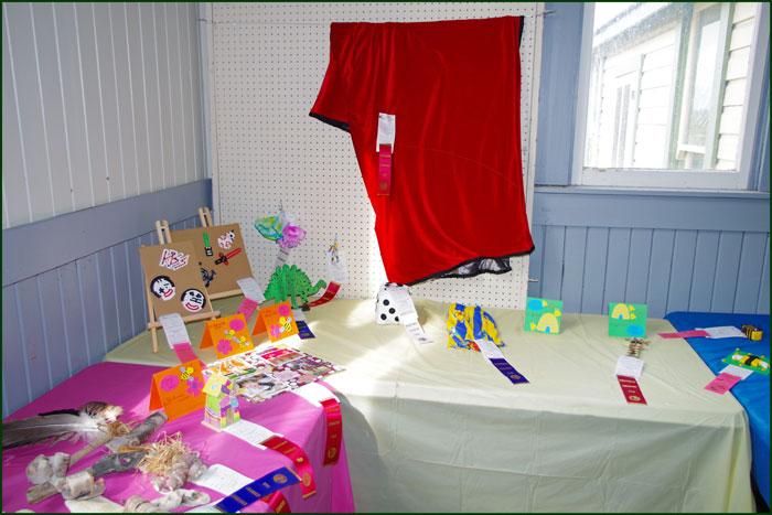 I Junior Crafts & Needlework