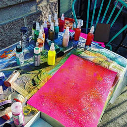 Glitter, glitter, paint, paint! Paint ti