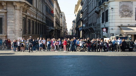 street photography roma via del corso